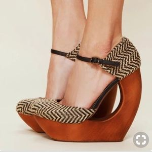 Jeffrey Campbell rockette wooden heel
